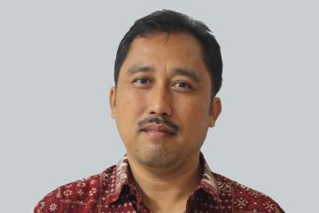 Dr. Ir. Naresworo Nugroho, MS